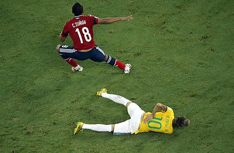 ניימאר פציעה מונדיאל 2014 , צילום: איי אף פי