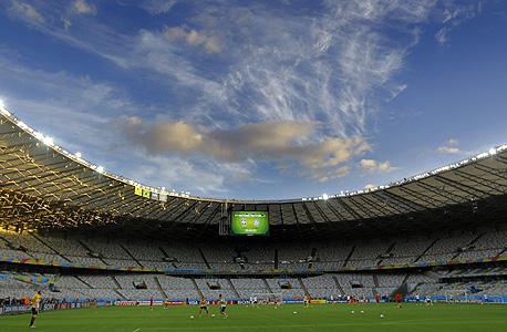 עד שלב רבע הגמר, הנבחרות כבשו 154 שערים ב-56 משחקים, יותר מאשר בכל המונדיאל הקודם בדרום אפריקה. ב-1998 נכבשו מספר שיא של 171 שערים