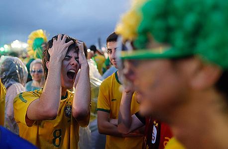 אוהדי ברזיל לאחר התבוסה לגרמניה