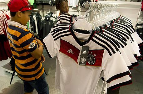 רפליקה נבחרת גרמניה חולצות אדידס, צילום: איי אף פי