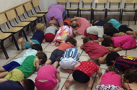 ילדים בדרום בזמן אזעקה