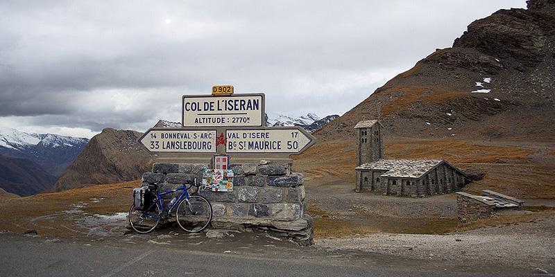 מעבר איסראן. הכביש הגבוה ביותר באלפים