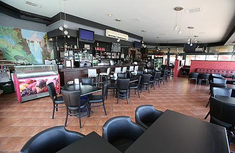 מסעדה סגורה בשדרות. לבתי המשפט יש מרחב תמרון גדול, צילום: שאול גולן