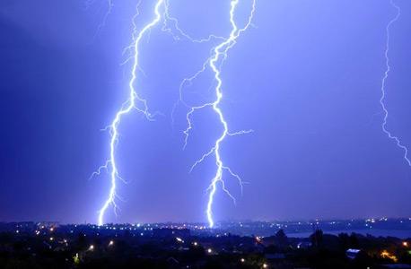 סערת ברקים. מכה כ-100 פעמים בשנה באמפייר סטייט בילדינג