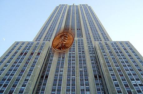 מטבע שנופל ממגדל גבוה יכול להרוג?
