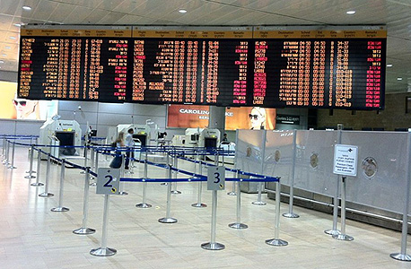 """בהשפעת צוק איתן: צניחה בכניסת תיירים ויציבות ביציאת ישראלים לחו""""ל ביולי"""