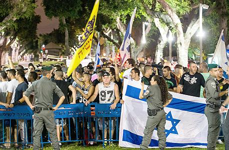 הפגנת ימין בכיכר הבימה בתל אביב לפני שבועיים