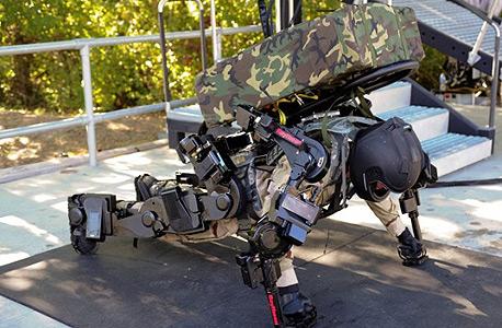 חליפה רובוטית שמפתחת ריית'און. צפויה לאפשר גמישות ונוחות לצד שיפור בכוחו של המשתמש