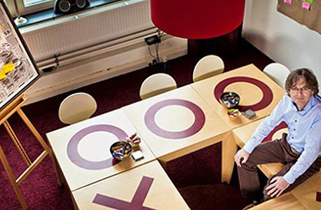 שולחן עבודה של חיס ואן וולפן