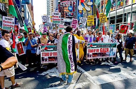 הפגנה נגד המבצע בעזה בכיכר טיימס בניו יורק