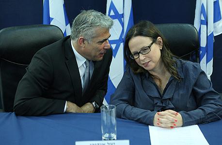 יעל אנדורן ויאיר לפיד, צילום: עמית שעל