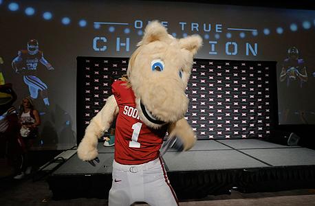 דוברת ה-NCAA סטייסי אוסבורן אמרה כי הם מייחסים את מרבית ההפסדים לירידות החדות בבורסות מאוגוסט 2015, צילום: אם סי טי