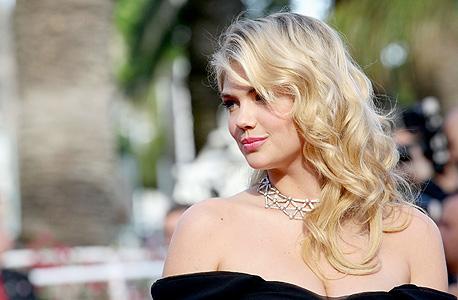 הדוגמנית קייט אפטון. תמונותיה דלפו, צילום: אימג