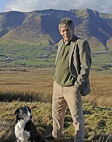 הלורד האנגלי על רקע ההר