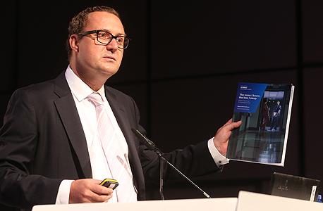 """מארק בריטנל, יו""""ר תחום הבריאות העולמית בפירמת הייעוץ KPMG. """"לו ענף התעופה היה משתמש במערכות מידע דומות לאלו של מערכות הבריאות, אף אחד לא היה רוצה לטוס"""""""