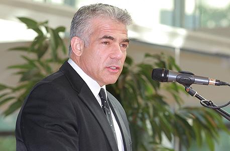 לפיד לא מוותר: מוציא מכרז חוזר לדיור להשכרה בחיפה