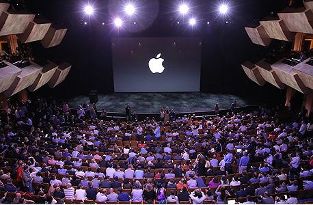 """אירוע השקת האייפון 6 של אפל. """"הגביע הקדוש של ההתחמקות ממס"""", צילום: apple.com"""