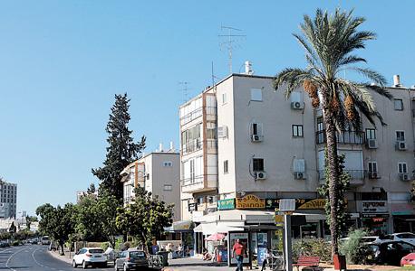 הבניין בדרך השלום 91 בתל אביב