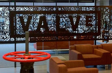 משרדי Valve, אין בוסים, והעובדים יכולים להזיז את עמדת העבודה שלהם כרצונם