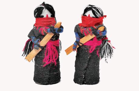 בובות מקסיקניות בדמות מורדי הזאפאטיסטה