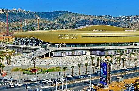 אצטדיון סמי עופר. על פי החישובים, אצטדיון סמי עופר הוא אחד מחמשת האצטדיונים בני 30,000 המושבים הכי יקרים בעולם - לצד אצטדיון בגרוזני (רוסיה), אסטנה (קזחסטן) ובטשקננט (אוזבקיסטן), צילום: החברה הכלכלית חיפה