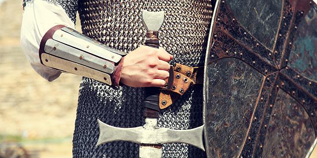 """למה לאבירים קוראים """"אביר""""?"""