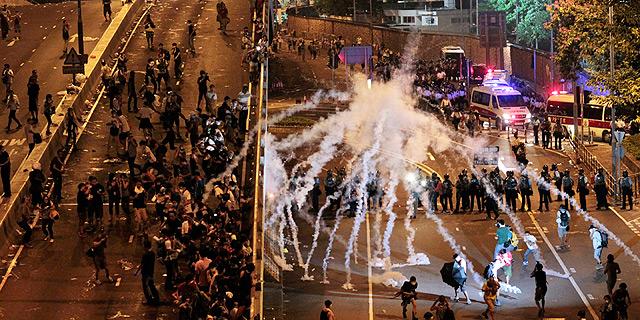 הונג קונג: האולטימטום לפינויים מחר אינו מרתיע את המפגינים