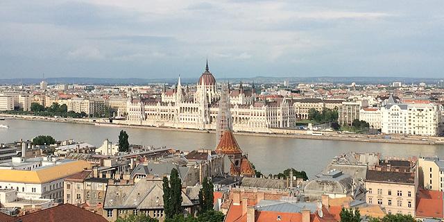 """בודפשט. """"המחסור בכוח אדם מדיר שינה מעיניהם של המנהלים הבכירים בכל מזרח אירופה"""""""