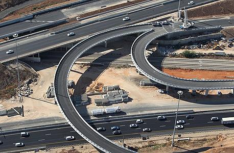 הנתיב המהיר בכביש 1 של שפיר הנדסה
