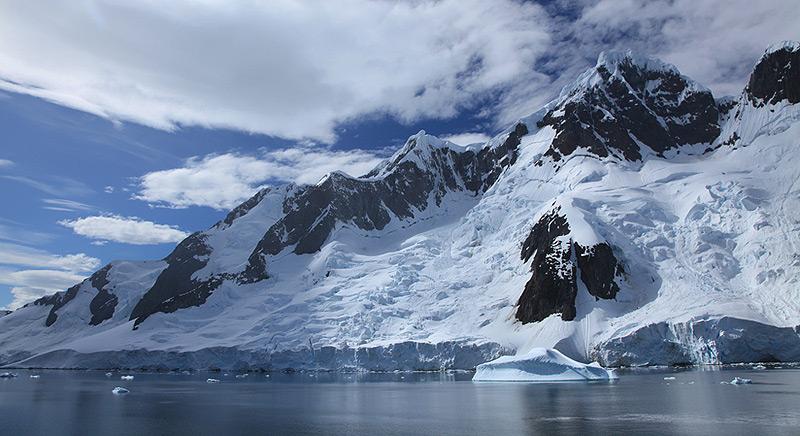 הרים ביבשת אנטרקטיקה, צילום: Liam Quinn, Flickr