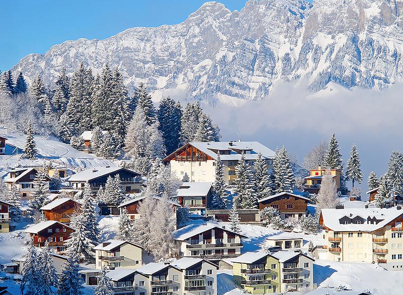 עיירת סקי בשוויץ