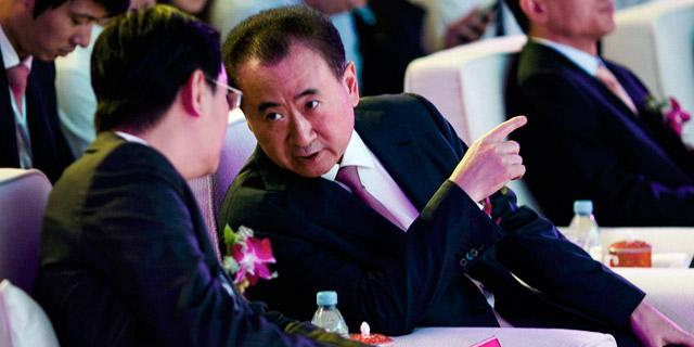 המיליארדר הסיני וונג ג'יאנלין מעמיק את קשריו בעולם עסקי הספורט