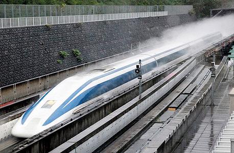 """הרכבת מגיעה למהירות של 482 קמ""""ש"""
