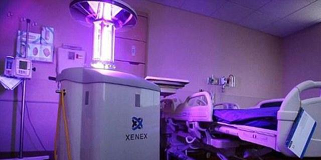 אולטרה-סגול נגד אבולה. הרובוט של Xenex