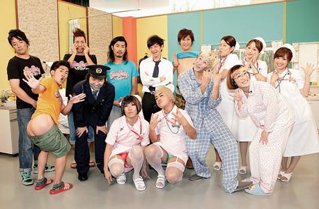 """צוות התוכנית היפנית """"פאוור פורין"""". זה מצחיק כי זה לא אמיתי"""