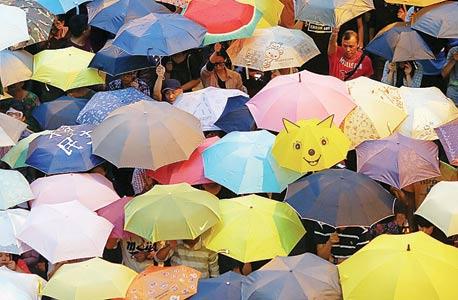 מחאת המטריות של הונג קונג, צילום: רויטרס