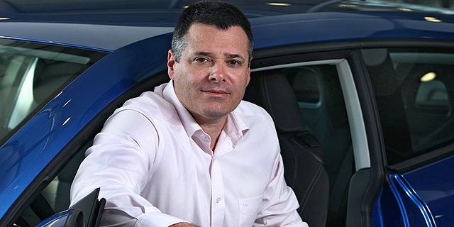 """מנכ""""ל יבואנית פיז'ו אבי צור עוזב; הערכות: מנכ""""ל קל אוטו יחליפו"""