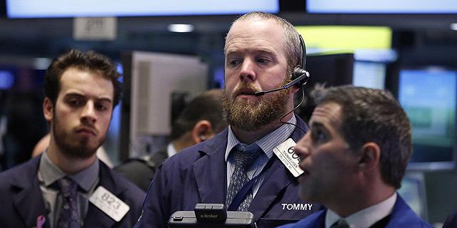 """ניו יורק: תשואות האג""""ח קרסו, מחיר הזהב טיפס ב-1.2%; המדדים חתמו חודש חיובי"""