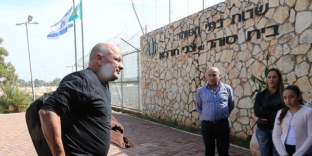 דנקנר מגיע לכלא חרמון, בנובמבר, צילום: גיל נחושתן