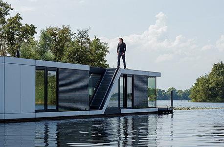 """אלטהיוס, על אחד הבתים הצפים שתכנן בהולנד. """"עליית מפלס הים תאתגר חלק גדול מהעולם, לא רק איים קטנים"""""""