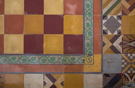 הרצפה במרפסת הגג, צילום: תומי הרפז