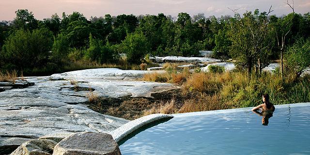שמורת סאבי סנד בדרום אפריקה. תחילת עונת התיירות