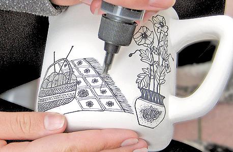 ספל תה ענק. איור עבודת יד