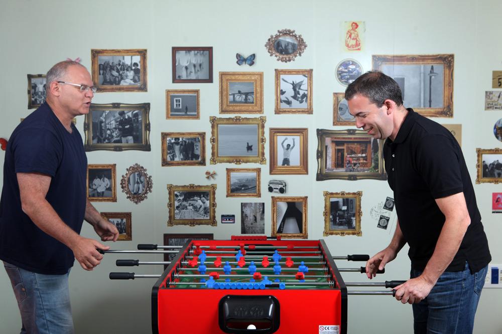 מייסדי אאוטבריין, מימין: ירון גלאי, אורי להב