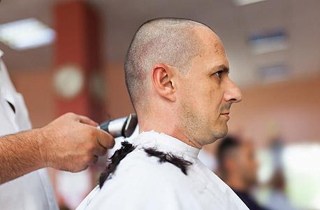 שיער קצר גבר מגולח תספורת, צילום: שאטרסטוק