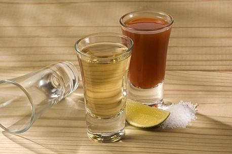 צ'ייסר אלכוהול באר טקילה