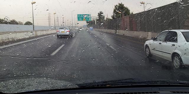 בוקר גשום: הצפות ופקקים ברחבי הארץ