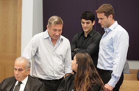 נוחי דנקנר במשפטו, צילום: אוראל כהן