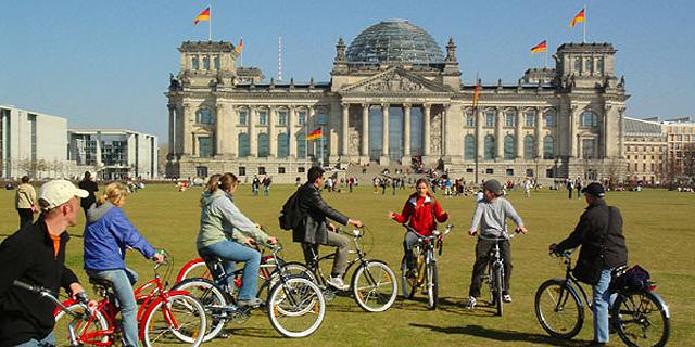ברלין, גרמניה. מחזיקי הדרכון הגרמני יכולים להיכנס ל-177 מדינות ללא הנפקת ויזה, צילום: oh-berlin.com