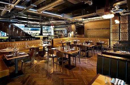 מסעדת הדון סטריט קיצ'ן של רמזי גורדון נותרה ריקה בערב הפתיחה